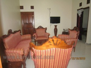 Sofa Ukir Jepara dengan Pilihan Set Kursi Tamu Kayu Jati